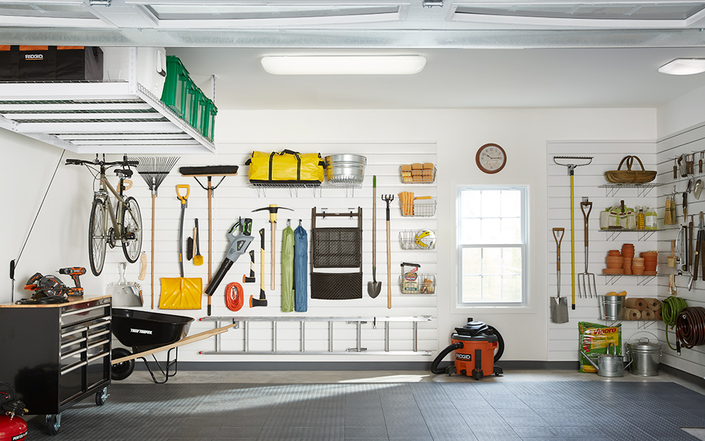 Create The Garage Of Your Dreams By Investing In The Right Lighting
